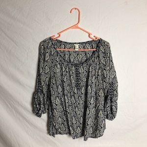 Navy/white paisley print blouse
